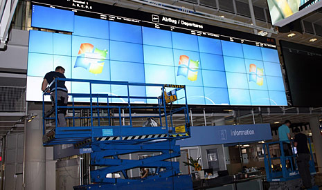 36 monitor video wall at Munich's Airport